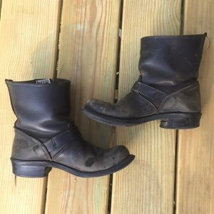 Beloved Frye Engineer boots women's 8
